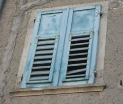 Riparazione e ristrutturazione persiane e antoni in legno for Imposte finestre