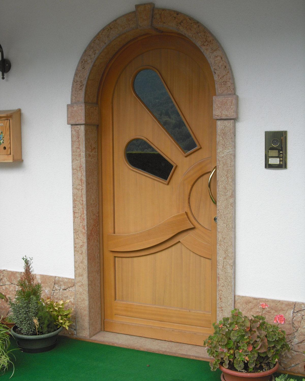 Portoncini in legno - Progettazione e posa in opera di ...